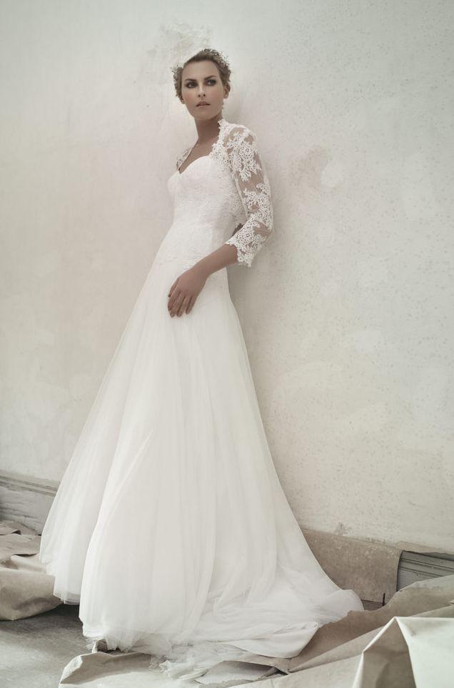 robe de mariee princesse clothilde tulle et dentelle l sonia b. Black Bedroom Furniture Sets. Home Design Ideas