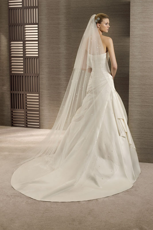 robe de mariee sirene tina drapee en satin duchesse l
