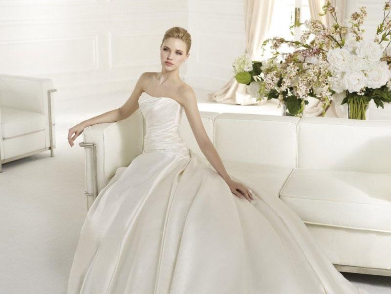 ROBE de mariée ATELIER DIAGONAL ORAN EN SATIN DUCHESSE DRAPE mariée san patrick soniab marseille proche aubagne 13400