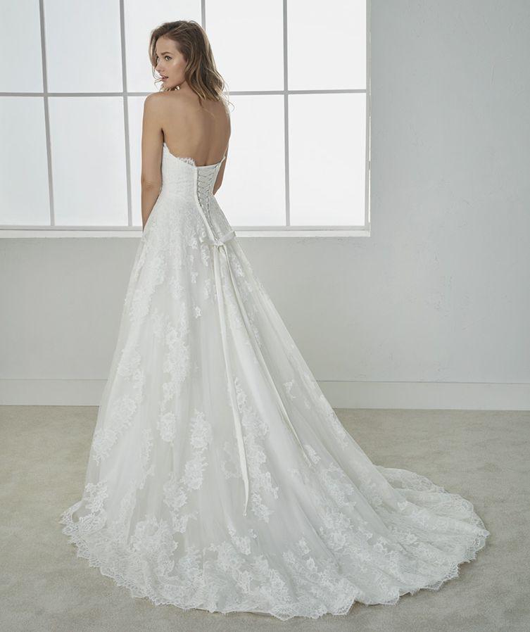 acheter sa robe de créateur rue de rome et castellane