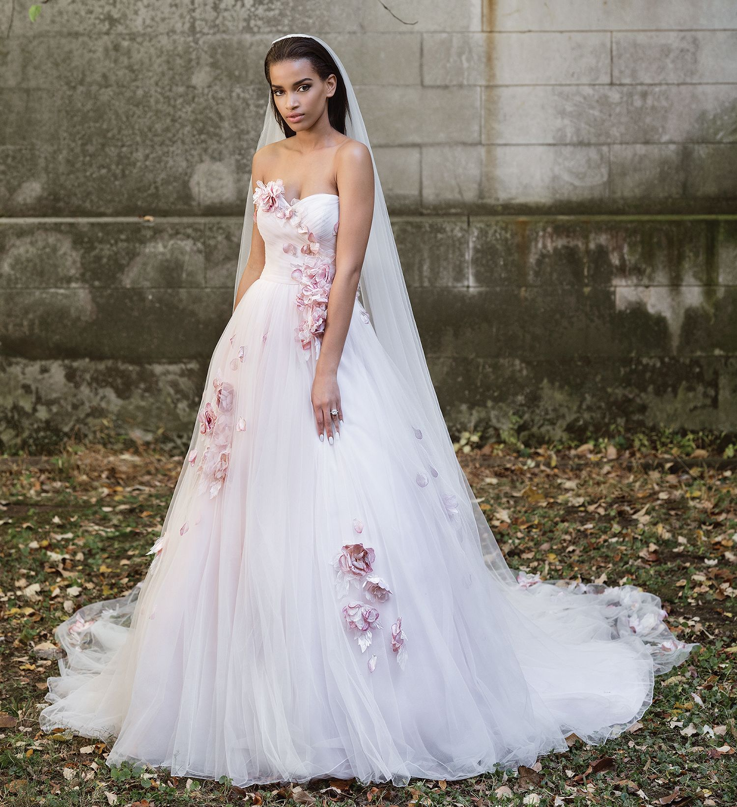 Robe mariage fleurs de soie justin alexander 9865 for Centre ville la mariage robes