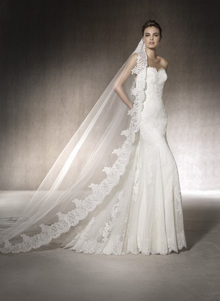 boutique de ROBE mariée PRONOVIAS MARCIA MARSEILLE RUE PARADIS 13006
