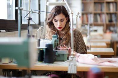 Atelier retouches et transformations par nos couturières expertes