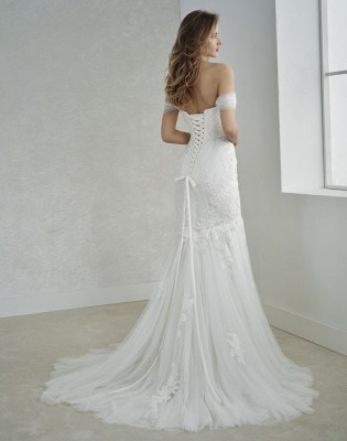 robe de mariée  white one  marseille proche edmond rostand 13006