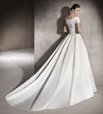 ROBE mariée princesse  ST MITRES LES REMPARTS 13920